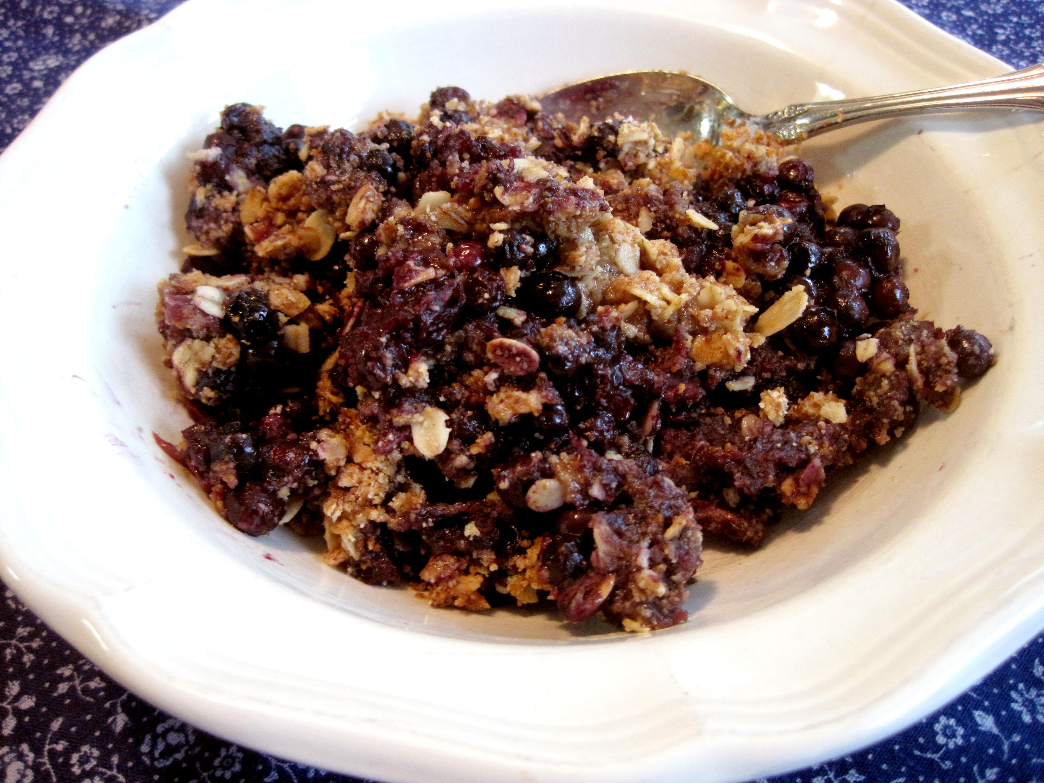 Warm Blueberry Crumble – Gluten-Free